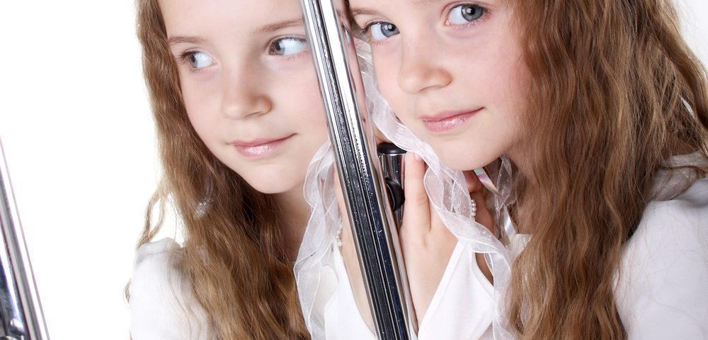 Mirror Therapy May Improve Movement in Kids with Cerebral Palsy, Review Finds